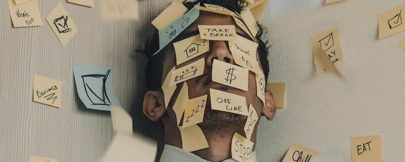 como gestores aumentam o estresse da equipe